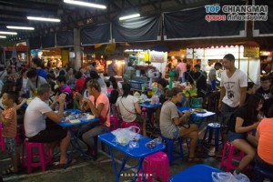 ตลาดประตูเชียงใหม่ (กลางคืน) (18)
