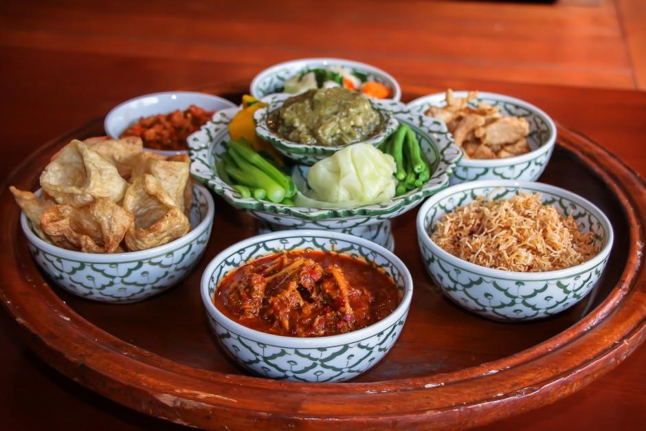 6 ร้านขันโตก เด่นๆ ในเชียงใหม่ | Top Chiang Mai สุดยอด ที่เที่ยว ที่กิน  ข้อมูลจังหวัดเชียงใหม่